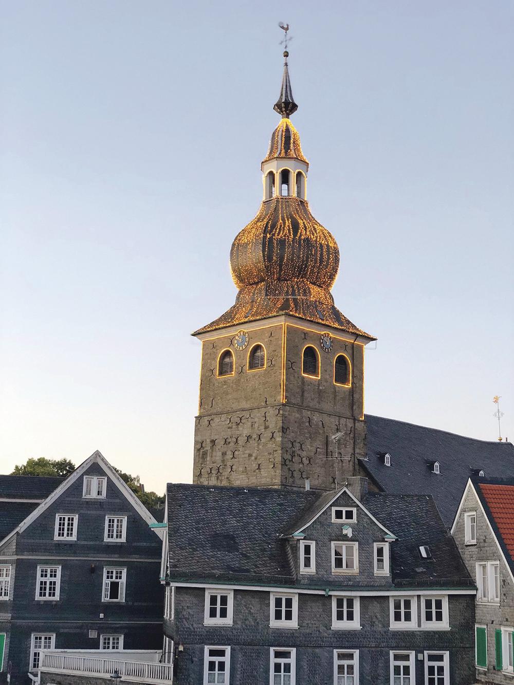 Kirchturm kämpft mit Feuchtigkeit