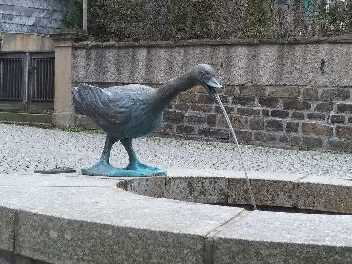 Lenneper Brunnen sprudeln wieder