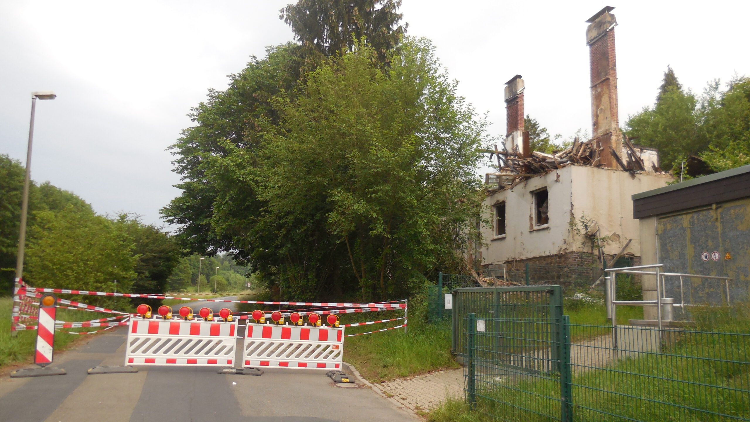 Einsturzgefährdete Kamine in Luckhausen werden abgerissen