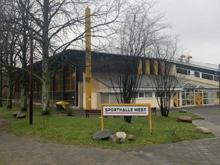 Impfzentrum entsteht in Sporthalle West
