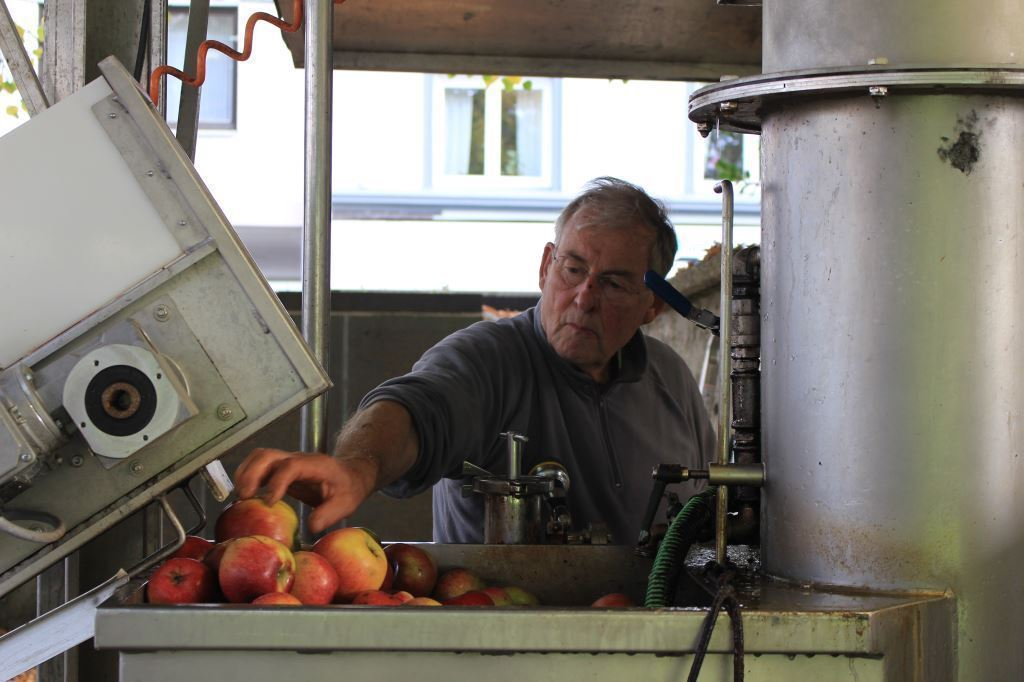 Apfelsaft gegen Äpfel